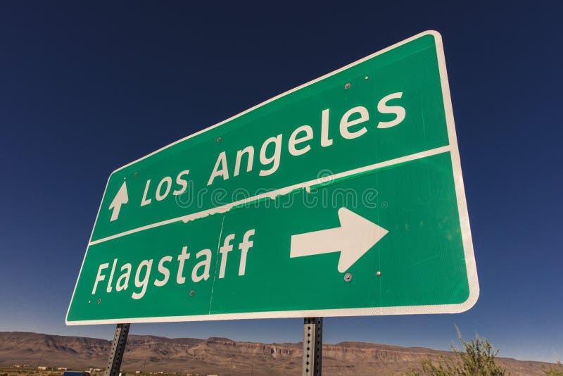 Segno a Los Angeles ed all'albero per bandiera Arizona fotografia stock