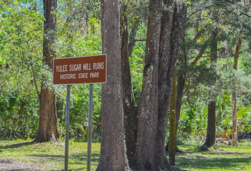 Segno per il parco di Yulee Sugar Mill Ruins Historic State immagini stock libere da diritti