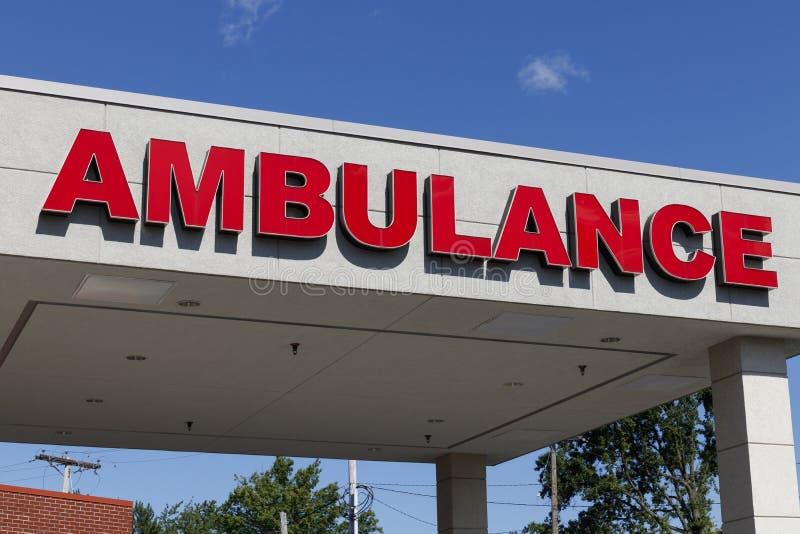 Segno rosso dell'entrata di emergenza dell'ambulanza per un ospedale locale V immagine stock libera da diritti