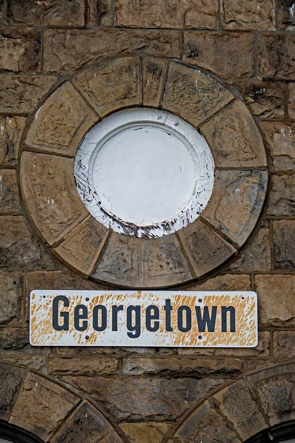 Segno su Georgetown storica, Ontario VIA la stazione di ferrovia immagini stock