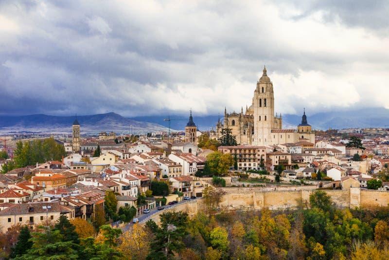 Segovia - ciudad medieval hermosa de España fotos de archivo