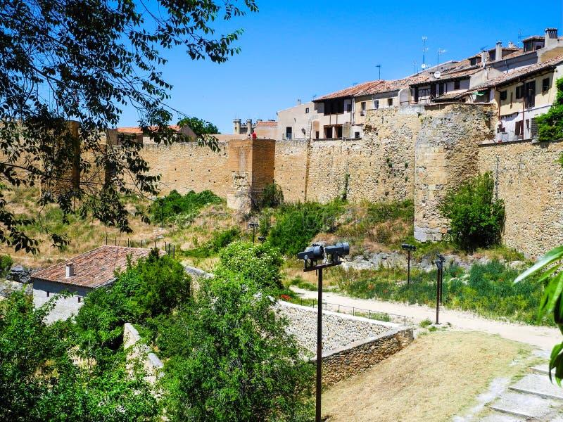 Segovia, España Vista panorámica al valle fotografía de archivo