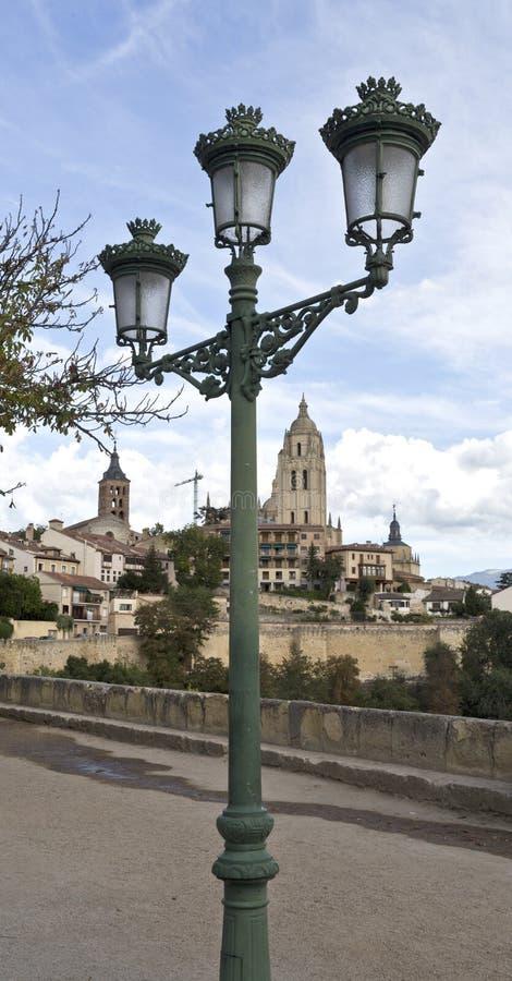 Segovia Lantaarnpaal en de Kathedraal royalty-vrije stock afbeeldingen