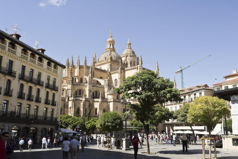 Segovia Pleinburgemeester en Kathedraal stock fotografie