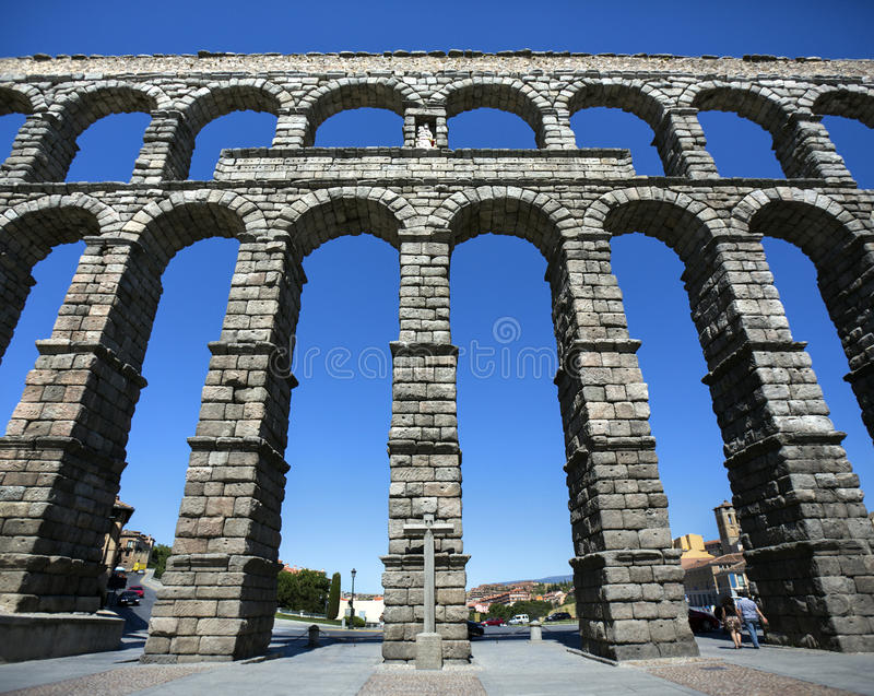 Segovia Romański Aquaduct Hiszpania - zdjęcie stock