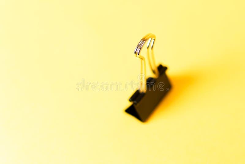 Segregator klamerka na kolorowym tle zdjęcie stock