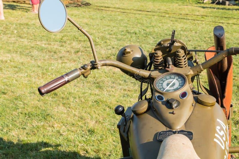 Segunda guerra mundial americana da motocicleta com sua exposição dos braços fotografia de stock