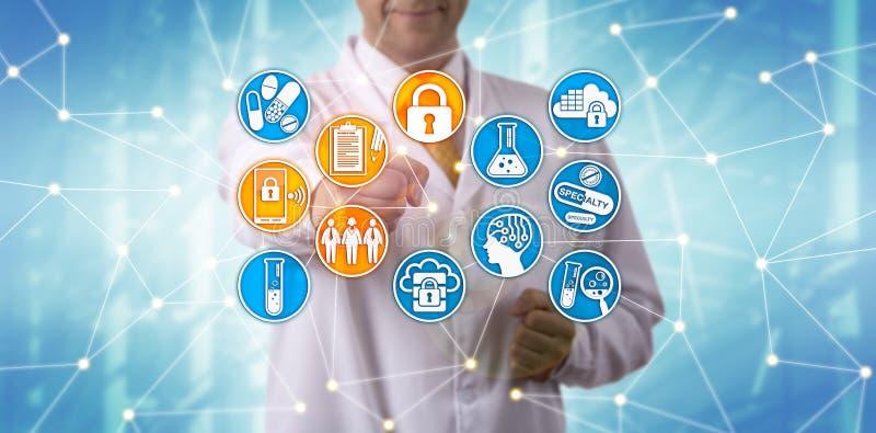 Segurança de dados de Complying With Pharma do cientista imagens de stock royalty free