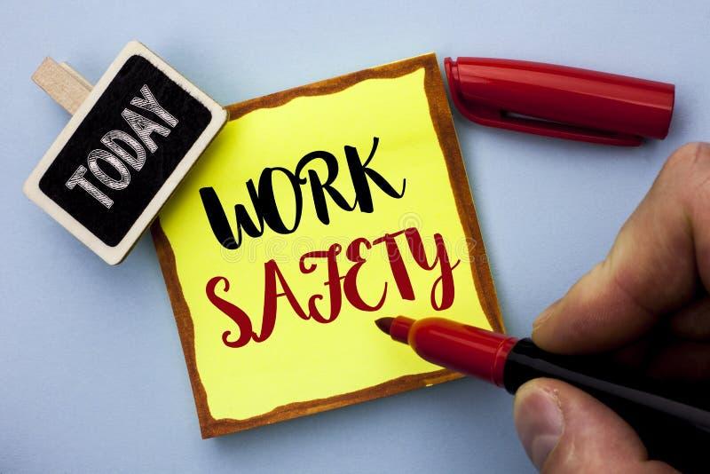 Segurança do trabalho do texto da escrita da palavra Conceito do negócio para a segurança da segurança da proteção dos regulament fotos de stock royalty free