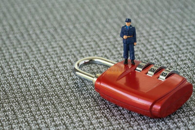 Segurança informática ou conceito da proteção do hacker com fi diminuto fotos de stock