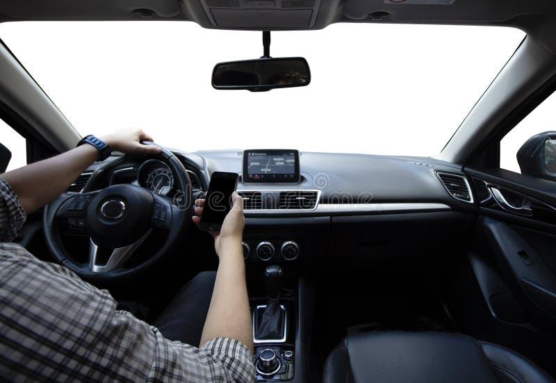 Segurança rodoviária Conduzindo e usando o telefone celular imagens de stock royalty free
