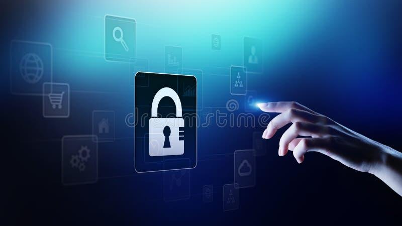 Seguridad cibernética, protección de datos personal, aislamiento de la información Icono del candado en la pantalla virtual Conce fotos de archivo