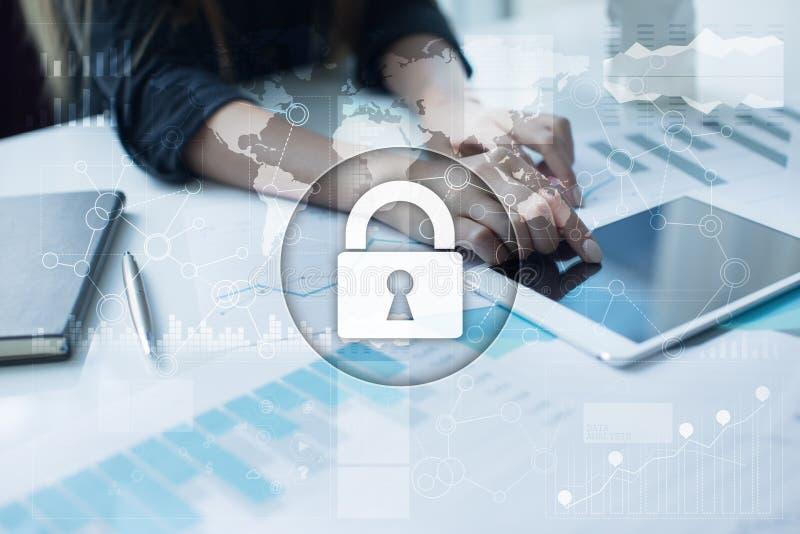 Seguridad cibernética, protección de datos, seguridad de la información Concepto de la tecnología de Internet fotos de archivo