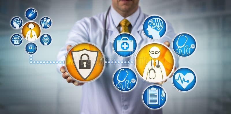 Seguridad de datos para el doctor Providing Telemedicine imagen de archivo