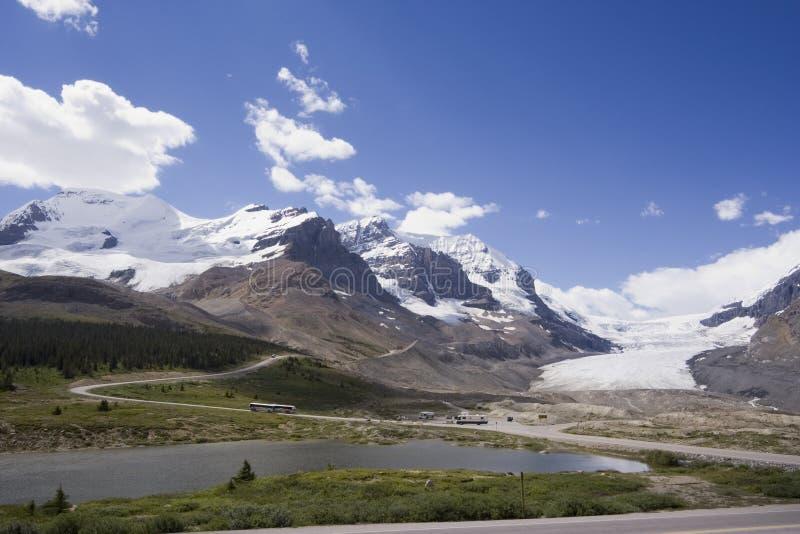 Sehen Sie von der icefields Allee zum Kolumbien icefield an lizenzfreies stockbild