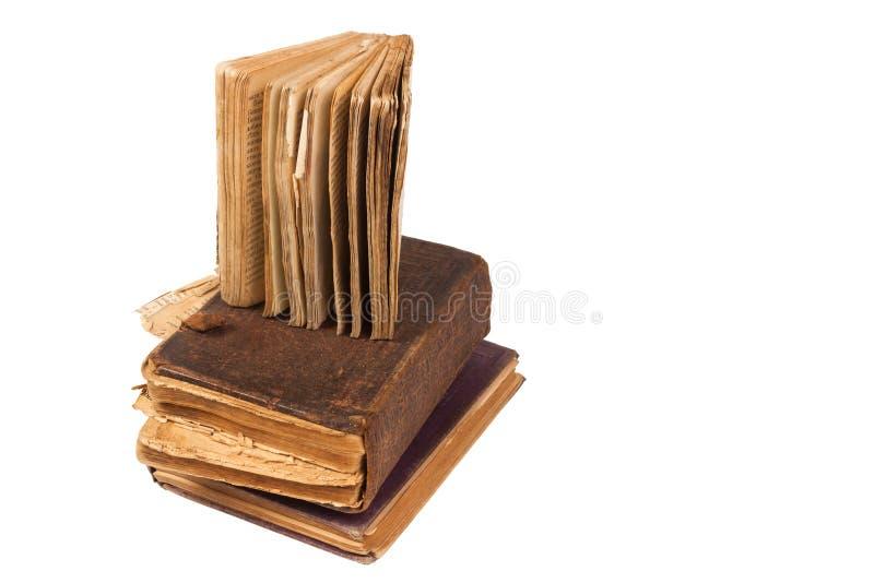 Sehr alte Bücher getrennt auf Weiß lizenzfreies stockbild