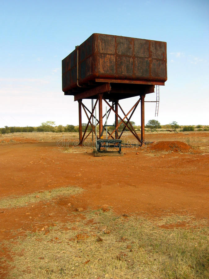 Hinterland-Wasser-Behälter lizenzfreie stockfotos