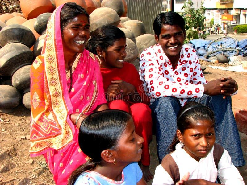 Sehr große Familie stockfoto