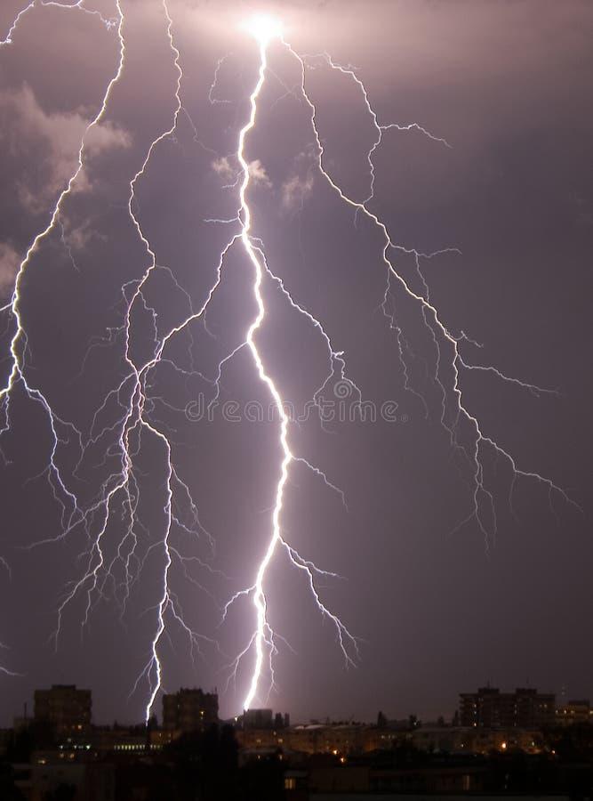 Sehr großer Blitz stockfotografie