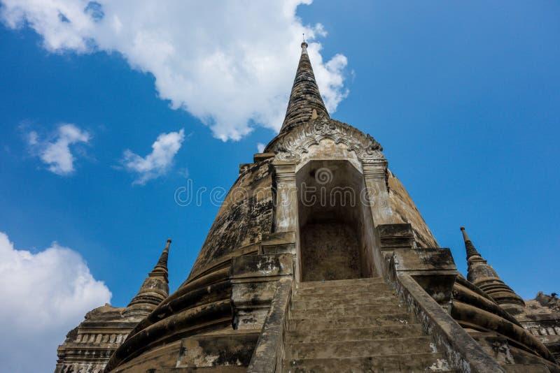 Sehr hohe Tempel-Ruinen stockbild