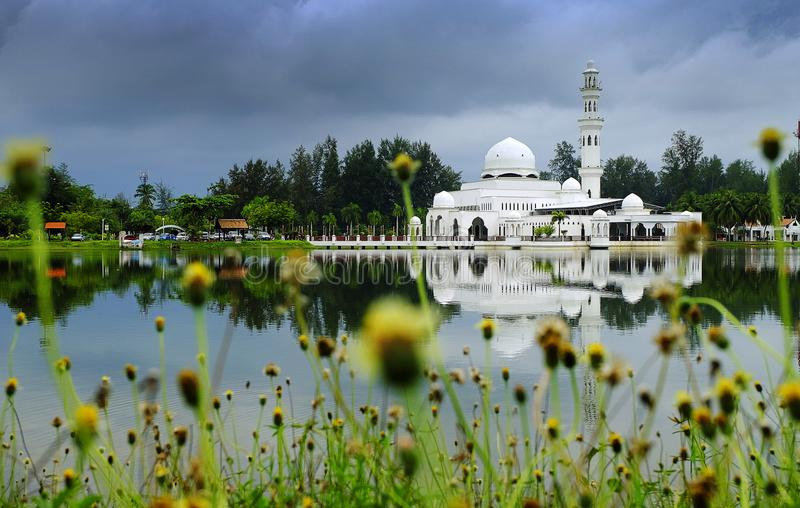 Sehr schönes Kuala Ibai Mosque in Terengganu lizenzfreies stockfoto