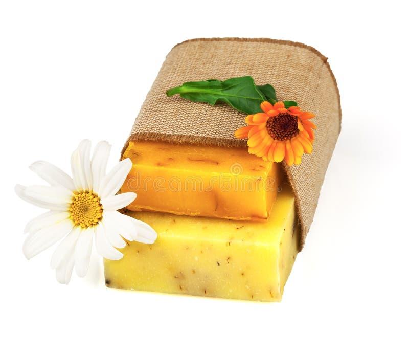 Seife im Sack mit Blumen stockbild