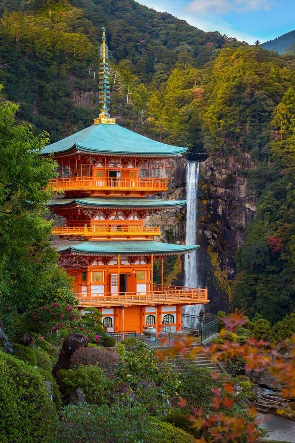 Seiganto籍寺庙塔在Nachi Katsuura的 库存照片