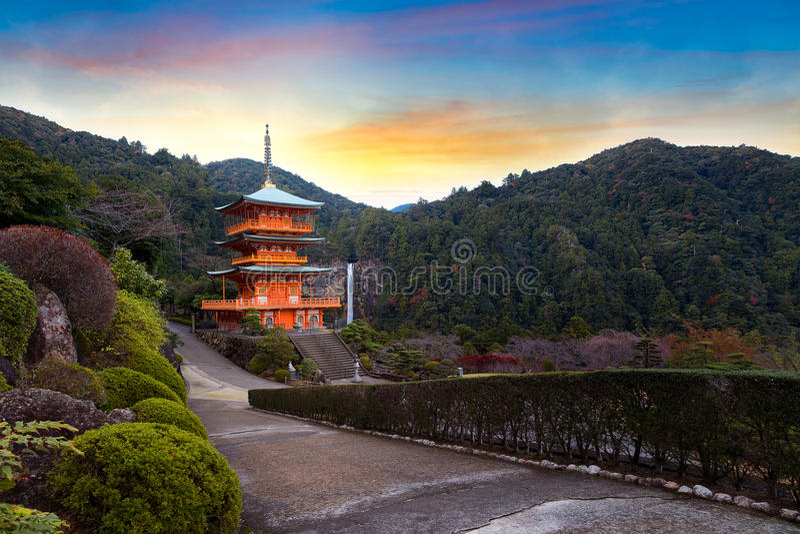 Seiganto籍寺庙塔在Nachi Katsuura的 免版税库存图片