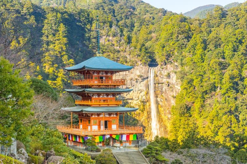 Seigantoji Pagada och nedgångar i Wakayama, Japan arkivbilder
