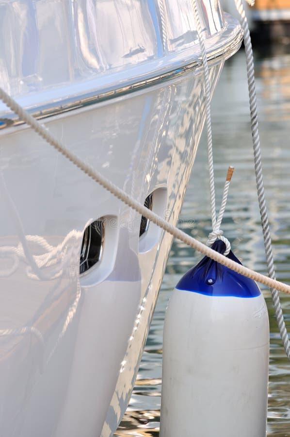 Seil und erstklassiges Papier des Yachthafens lizenzfreies stockbild
