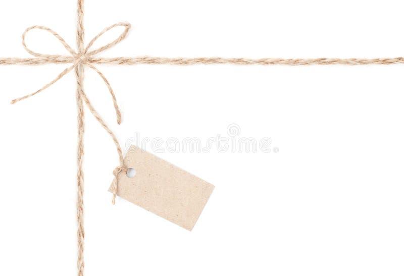 Seilbogenmarke. Jutefaser, der für Geschenk und die Preiskalkulation einwickelt. Abschluss oben. lizenzfreie stockfotografie