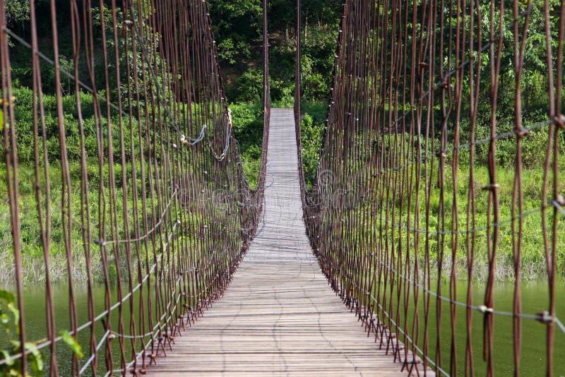Download Seilbrücke Am Nationalpark In Thailand. Stockbild - Bild von hängen, brücke: 26362585