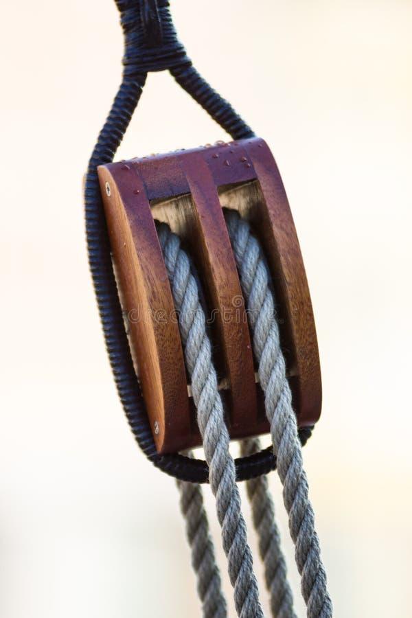 Seile und Seeknoten stockfoto