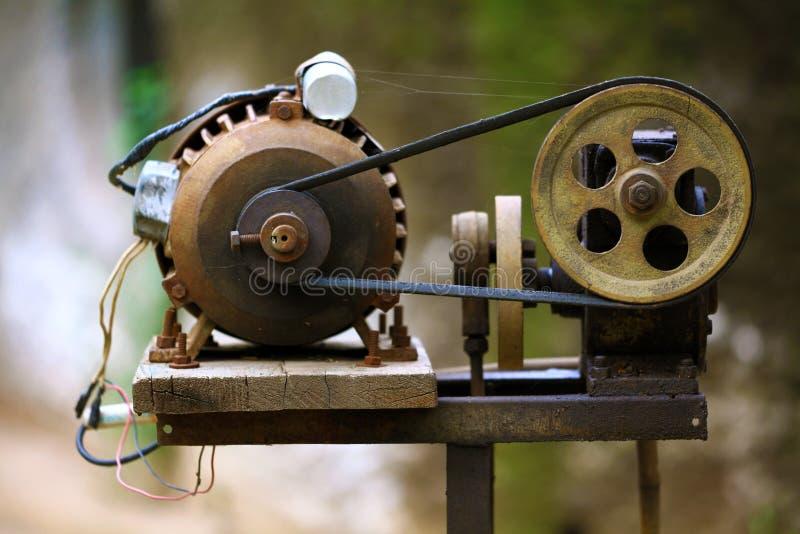 Seilrolle und Motor lizenzfreies stockbild