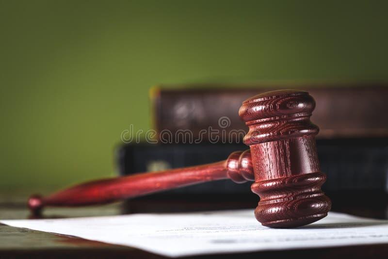 Sein das Gesetz! stockbilder