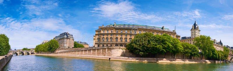 Seine flodstrand, panorama- bild av Ile de la Citera i Paris royaltyfri fotografi