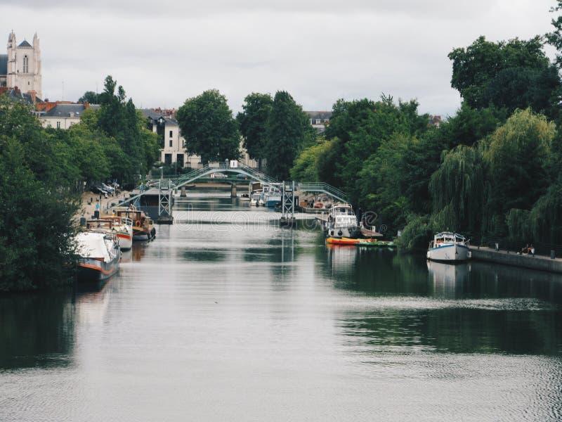seine moderne de fleuve de Paris de passerelle photos libres de droits