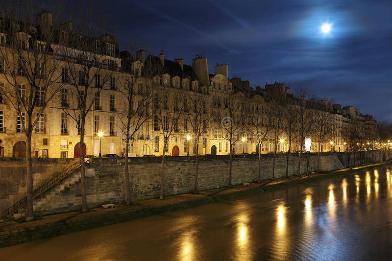 Download Seine In The Night With Moon Stock Photo - Image: 28640678