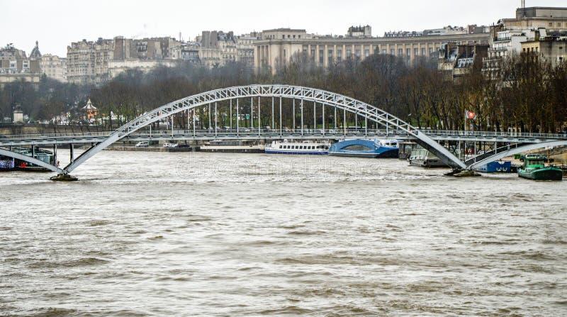 Seine River antes da inundação fotos de stock