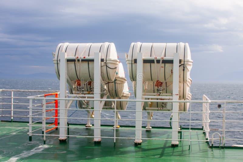 Barriles Del Vida-ahorrador En El Transbordador Fotografía de archivo