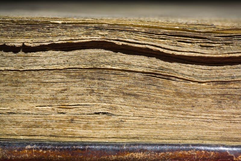 Seiten im alten Buch stockbild