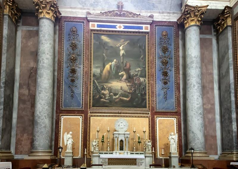 Seitenaltarmalerei auf der linken Seite des Hauptaltars innerhalb der Esztergom-Basilika, Esztergom, Ungarn lizenzfreie stockfotos