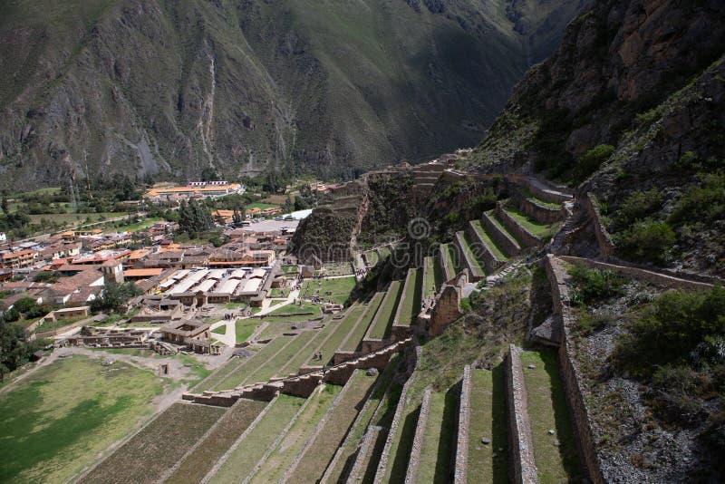 Seitenansicht der archäologischen Fundstätte in Ollantaytambo, Peru stockfotografie