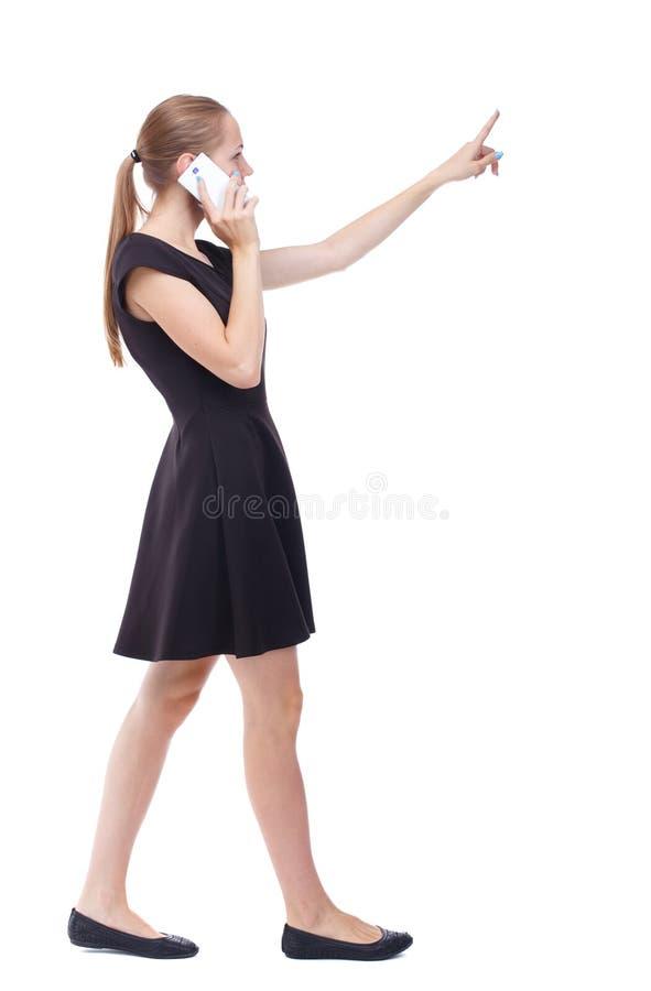 Seitenansicht der gehenden Frau lizenzfreies stockfoto