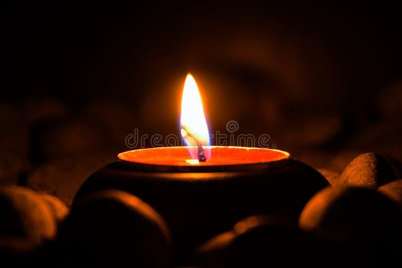 Seitenansicht der Kerze stockbild