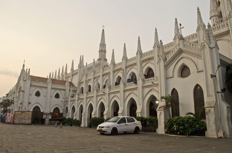 Seitenansicht der Santhome-Basilika-Kathedralenkirche, Chennai, Tamil Nadu, Indien stockfotografie
