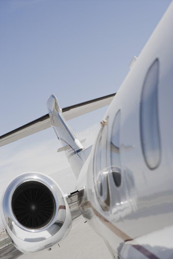 Seitenansicht des Flugzeuges stockfotos