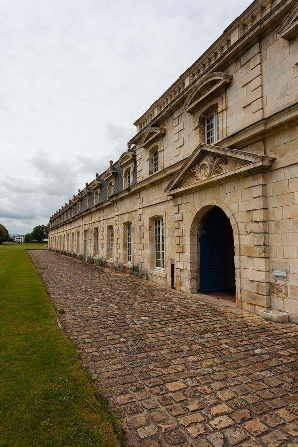 Seitenansicht von Corderie Royale in Rochefort stockbild
