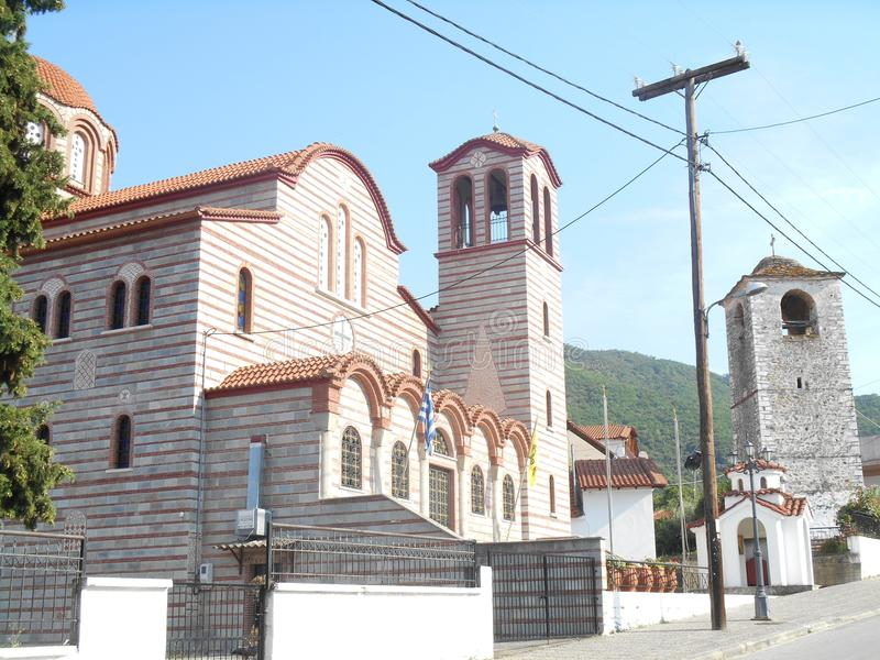 Seitenansicht zu Tempel Exaltation der heiligen und belebenden Querkirche lizenzfreie stockfotos