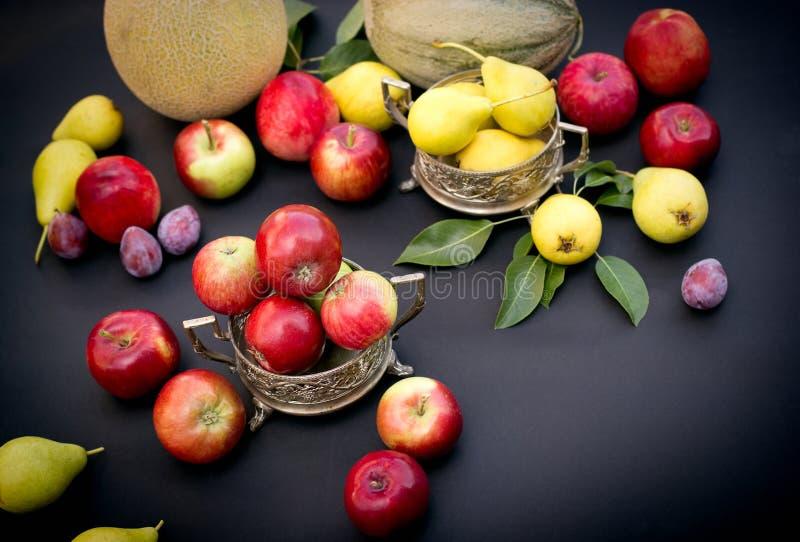 Seizoengebonden organische vruchten royalty-vrije stock afbeeldingen